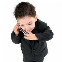 На сколько вредно ребёнку пользоваться мобильным телефоном