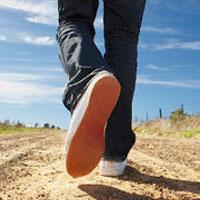 Прогулки на свежем воздухе намного эффективнее, чем занятия в тренажерном зале