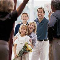 Как стать идеальным гостем: правила поведения