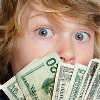 Разрешать ли ребёнку копить деньги?