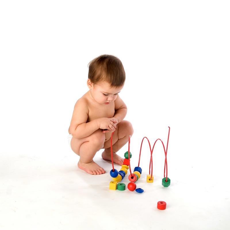 Разные игрушки для развития ребёнка в зависимости от возраста