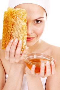 Уникальные целебные свойства меда в уходе за лицом