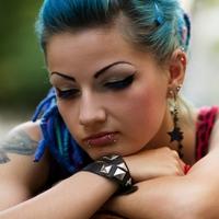 Почему подростки любят шокировать своим поведением