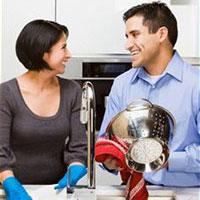 Если жена довольна разделением работы по дому, то брак будет счастливым