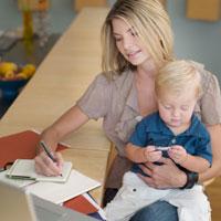 Есть ли жизнь после развода: заботы мам с детьми