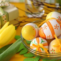 Чем красить пасхальные яйца: 10 способов