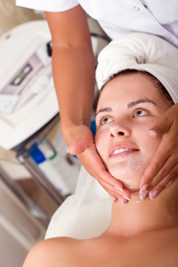 Химический пилинг как современный метод омоложения кожи