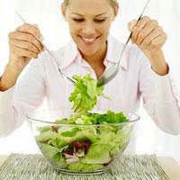 Необычные полезные весенние салаты
