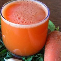Морковный сок: польза и противопоказания