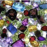 Как проводится массаж тела драгоценными камнями