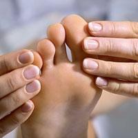 Как быстро вылечить грибок ногтей на ногах: традиционные препараты и народные методы