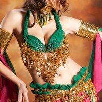 Танцуют все: в чём польза индийских танцев