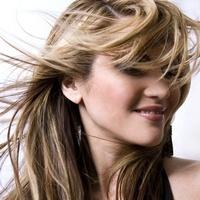 Як захистити волосся від літньої спеки