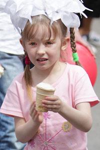 На День защиты детей в Донецке устроили фестиваль мороженого