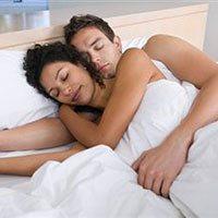 Сон играет важную роль в отношениях супругов