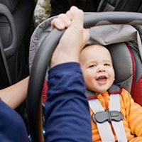 Как путешествовать с маленьким ребёнком на руках