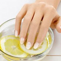 Маски, ванночки и витамины для укрепления ногтей