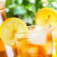Как приготовить освежающий домашний лимонад