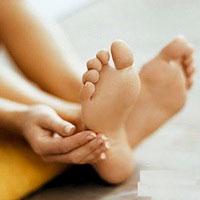 Как спасти ступни ног от волдырей