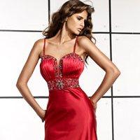Когда женщина одевает красное платье