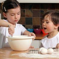 Как подготовить старшего ребёнка к появлению в доме второго малыша