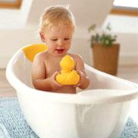 Выбор самого безопасного шампуня и мыла для ребёнка