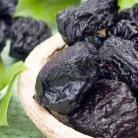 Что полезного есть в черносливе и как его выбирать?