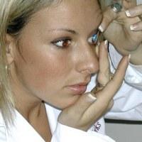 Как правильно носить контактные линзы и ухаживать за ними