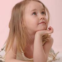 Советы мамам: как подготовить девочку к прокалыванию ушей