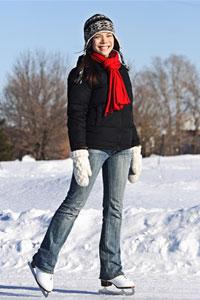 Зима в разгаре: учимся кататься на коньках и лыжах
