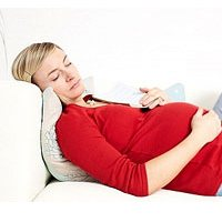 Избыточный вес матери опасен для младенца