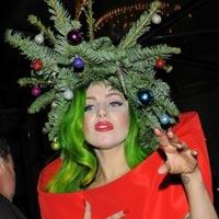 Леди Гага стала елкой (фото)