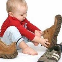 Советы ортопеда: как выбрать первую детскую обувь