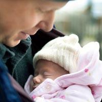 Как поддержать привязанность между папой и ребенком