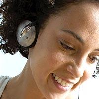 Тренировки в наушниках опасны для слуха