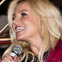 Бритни Спирс опровергла слухи о разрыве с любимым