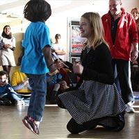 Наталья Водянова устроила детский праздник во Франции