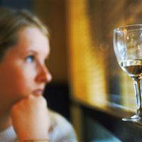 Образованные девушки подвержены алкогольной зависимости