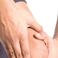 Утренняя зарядка избавит от хруста в коленях