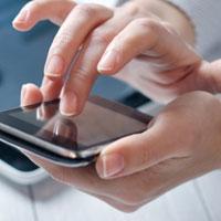 Подростки зависимы от мобильных телефонов