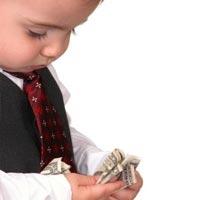 Стоит ли давать ребенку деньги на карманные расходы?