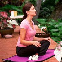 С женским ПМС поможет справиться медитация