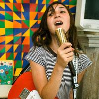 Пение спасет девушек от нервного срыва