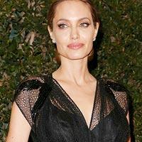 Анджелина Джоли готовится еще к одной операции