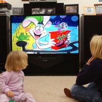 Долгий просмотр телепрограмм сокращает детский сон