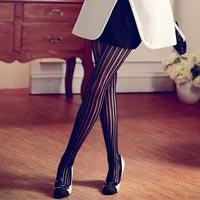 Колготки в полоску – модный тренд 2014 (19 фото)