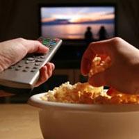 Ученые доказали, что плохие новости заставляют больше есть