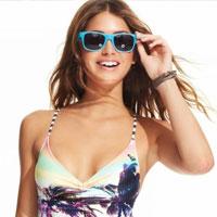 Модель Gigi представила коллекцию купальников Macy's Swimwear 2014 (18 фото)