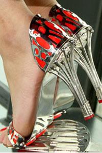 Дизайнерские туфли из платины - с гарантией 1000 лет