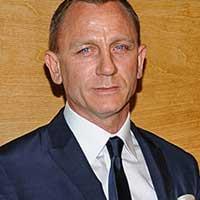 Агенту 007 придется решиться на подтяжку лица
